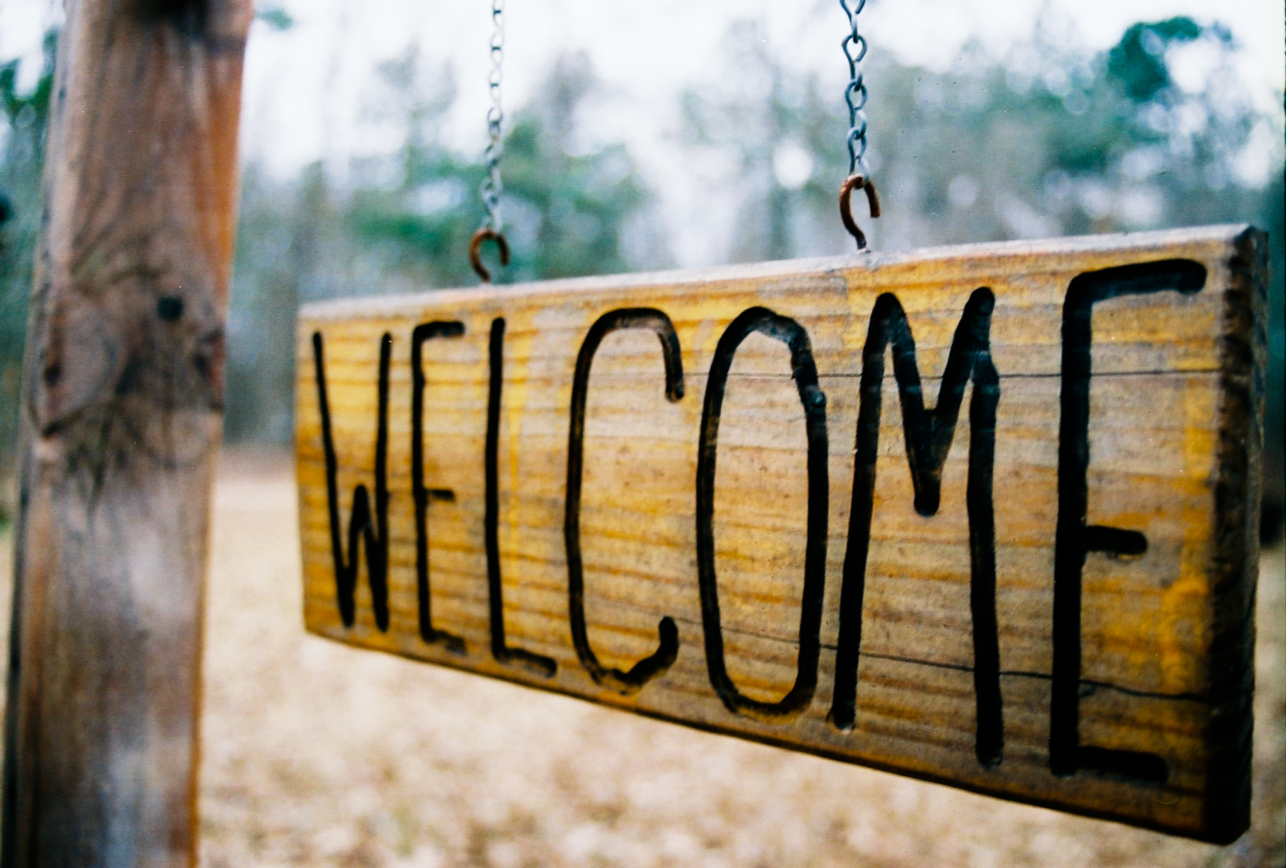 "A sign that reads, ""Welcome"""